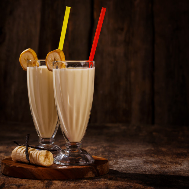 delicious-banana-milkshake_144627-5663
